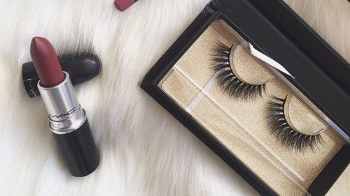 3 Ways to Get Long EyelashesNaturally